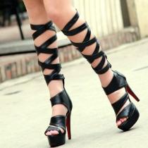 Stree-chic Estilo Plataforma Entrecruzado Rodilla sandalia ultra altas botas del estilete