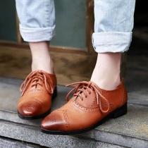 Zapatos Retro de Estrecha Puntera de Encaje Calado