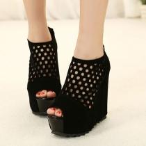 Solid Peep Toe color Recortable Negro Sandalia de la plataforma de alta Zapatos de cuña