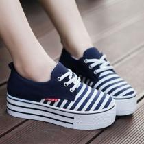 Zapatos de Plataforma de Lona de Estampado de Franjas con Cordones