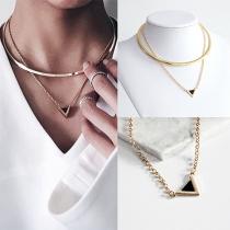 Collar Doble de Aro + Cadena con Colgante Triángulo de Tono Dorado