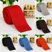 Moderna corbata de punto para hombre y de color sólido