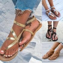 Sandalía con Correo de Piel Sintética
