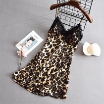 Sexy Vestido de Dormir con Estampado de Leopardo Escote en Pico con Encaje