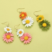 Fresh Style Contrast Color Daisy Shaped Earrings
