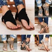 Sandalias de Tanga con Estampado de Leopardo y Tacón Plano