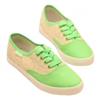 Zapatos de lona del cordón del dulce empalmadas